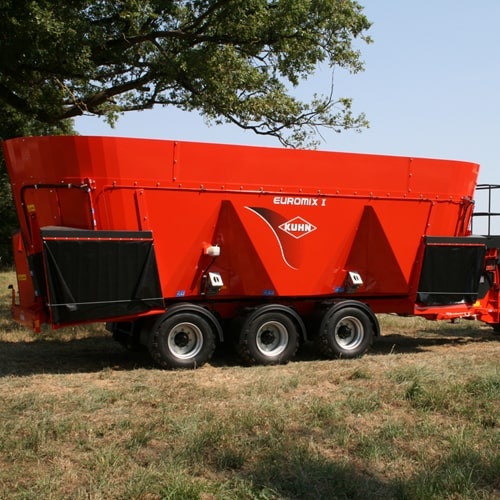 buy online KUHN euromix I 4570. Machinery made to chop and mix bales
