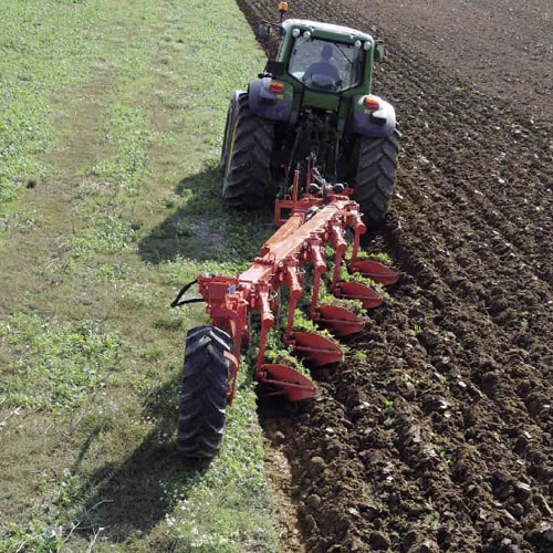 buy online KUHN VARI-LANDER XC Ploughing machinery. Semi-mounted plows to maintain high quality soil structure